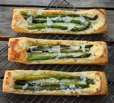 creamy asparagus puffs - And I even have asparagus in the fridge!