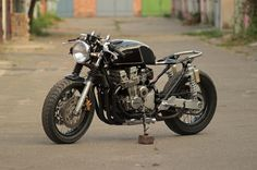 In progress: Seven Fifty cafe-racer. Tail tube and front fender. – Gazzz garage