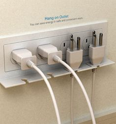 "The ""Hang On"" Outlet Reminds You To Unplug Your Gadgets Ideas Para Organizar, D House, Yanko Design, Intelligent Design, Electrical Outlets, Cool Gadgets, Organization Hacks, Organizing Solutions, Organizing Ideas"