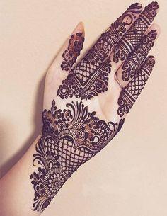 Mehndi is something that every girl want. Arabic mehndi design is another beautiful mehndi design. We will show Arabic Mehndi Designs. Henna Hand Designs, Dulhan Mehndi Designs, Mehndi Designs Finger, Latest Arabic Mehndi Designs, Mehndi Designs For Girls, Modern Mehndi Designs, Bridal Henna Designs, Mehndi Design Pictures, Beautiful Henna Designs