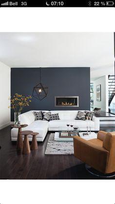 Inspiration couleur ( mur gris foncé contrastant avec le blanc du divan) pour le 2ème salon de la maison avec notre divan blanc