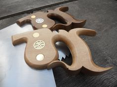 My saws fall into two categories, Workshop saws, and Site saws.     Workshop Saws.  These saws have American black walnut handles and carry ...