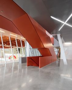Image 4 of 30 from gallery of Saint-Laurent Sports Complex / Saucier + Perrotte architectes + HCMA. Photograph by Olivier Blouin Staircase Architecture, Interior Staircase, Architecture Building Design, Staircase Design, Contemporary Architecture, Staircases, Saint Laurent, Exterior Design, Interior And Exterior