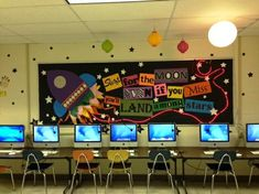 This Shoot for the Moon! - Space Themed Motivational Display is just one of our many bulletin board ideas. We have thousands of fun and unique teaching ideas that are great for the classroom and at home! Computer Bulletin Boards, Elementary Bulletin Boards, Science Bulletin Boards, Back To School Bulletin Boards, Classroom Bulletin Boards, Classroom Door, Future Classroom, School Classroom, Space Classroom