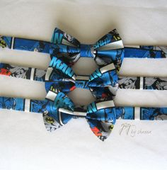 Hey, I found this really awesome Etsy listing at http://www.etsy.com/listing/129294375/blue-and-black-batman-superhero-bow-tie