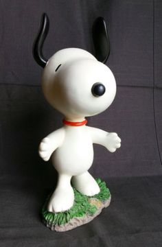 Dancing-Snoopy-Figure-Peanuts-12-Inches-Tall-United-Features-Syndicate