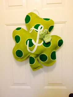 Shamrock personalized burlap door hanger for St by TheCraftyFoxLR