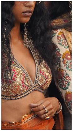 Fancy Dress Design, Stylish Blouse Design, Ethnic Outfits, Indian Outfits, Designer Sarees Wedding, Creative Fashion Photography, Bridal Lehenga Collection, Indian Designer Outfits, Traditional Fashion