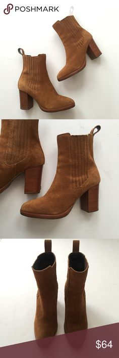 """brown suede dune london ankle boots Genuine suede leather ankle boots by Dune London. Size 39, fits size 8-8.5. Approx 3.5"""" stacked heel. Like new. NO TRADES, NO PP, NO EXCEPTIONS. Dune London Shoes Ankle Boots & Booties"""