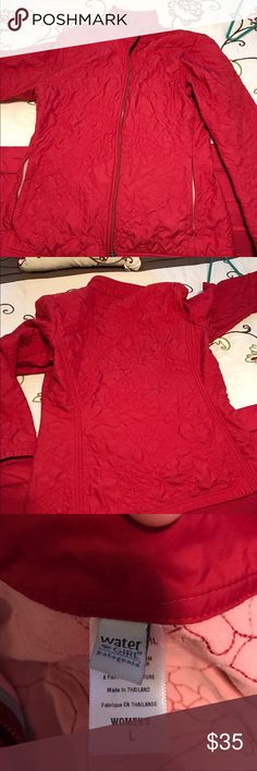 Patagonia water girl Red Patagonia water girl jacket, quilted detail with soft pink interior in great shape and from a smoke free home Patagonia Jackets & Coats