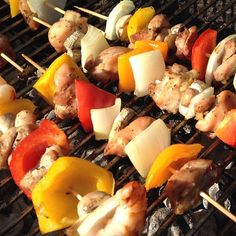 It's #dinnertime! #Delish shrimp and chicken kabobs ready to eat. #nutrition #health #fitness #highprotein #musclefuel