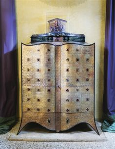 View UNIQUE CABINET ORIENTAL Designed by Andre Dubreuil; copper, steel, glass, enamel, marble top and leather; Access more artwork lots and estimated & realized auction prices on MutualArt. In Praise Of Shadows, Unique Clocks, Paris Design, Oriental Design, Arts And Crafts Movement, Traditional Furniture, Art Furniture, Glass Shelves, Contemporary Design