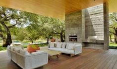 Net-zero home in Sonoma features indoor-outdoor living and a green roof