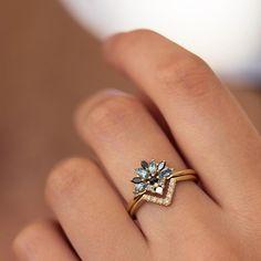 verlobungsring morganit Aquamarine and Diamond Bridal Ring Set ARTEMER Morganite Engagement, Morganite Ring, Rose Gold Engagement Ring, Vintage Engagement Rings, Bridal Rings, Wedding Jewelry, Wedding Rings, Wedding Gold, Wedding Veils