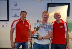 I was awarded as best driver out of the 35 competitors at the Racing course of RSZ Zandvoort.. Not so bad!