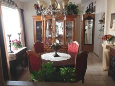 Small Tuscan dining room