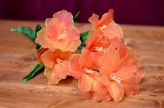 Flores de lirio de Nylon hechas a mano