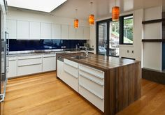 Karaka Bays, Wellington contemporary kitchen