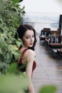 Dilraba 迪丽热巴 (@dilireba_) / Twitter Opera Dress, Beautiful Chinese Girl, China Girl, Stylish Girls Photos, Cute Girl Poses, Foto Pose, Girl Photography Poses, Beauty Full Girl, Ulzzang Girl