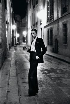 Legendary Helmut Newton comes to Amsterdam - Vogue Nederland