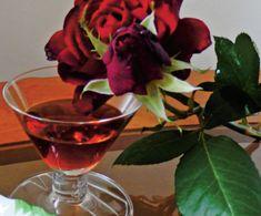 Lichior de trandafiri