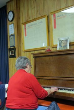 Audrey Sedley entertaining the crowd with her piano pieces.