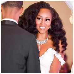 Simple and Charming Natural Hairstyles for Weddings for Black Women-  If you are African American women who want to get married soon, you must wonder what kind of hairstyles which are suitable to be worn in your wedding ... #weddinghairstylesforblackwomen