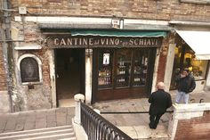 Click for info on Cichetti Bars in Venice. Cantine del Vino gia Schiavi by UncaMikey, via Flickr.