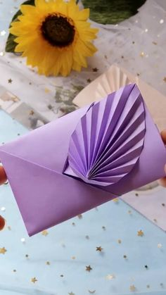 Cool Paper Crafts, Paper Crafts Origami, Diy Paper, Instruções Origami, Cute Origami, Diy Origami Cards, Origami Envelope, Diy Crafts Hacks, Diy Crafts For Gifts