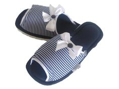 Baby Shoes, Slippers, Butterfly, Sandals, Beautiful, Fashion, Bedroom Slippers, Fabric Flip Flops, Maternity Styles