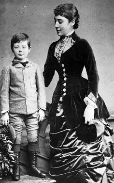 english dresses 1880 Sir Winston Churchill, the rarely-seen photos Winston Churchill aged 6 with his aunt Lady Leslie Sir Winston Chur