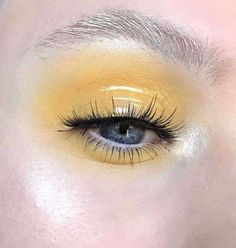 makeup q tips makeup new makeup yellow dress makeup styles makeup looks for hazel eyes makeup classes makeup 4 letters often to replace eye makeup Makeup Trends, Makeup Inspo, Makeup Art, Makeup Inspiration, Beauty Makeup, Glossy Eyes, Glossy Makeup, Skin Makeup, Unique Makeup