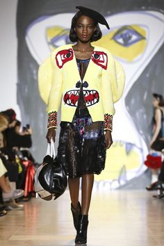 There's something about the dreary cold of winter that makes most of us long for warm escapes. Tsumori Chisato is no different, and in the dead of winter she envisioned a tropical jungle esca...