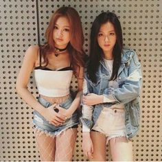 Find images and videos about kpop, rose and blackpink on We Heart It - the app to get lost in what you love. Blackpink Fashion, Korean Fashion, South Korean Girls, Korean Girl Groups, Forever Young, Jenny Kim, Black Pink, Blackpink Photos, Looks Black
