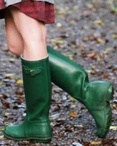 Chelsy Davy, Wellies Rain Boots, Shiny Leggings, Nylons, Riding Boots, Female, Shoes, Fashion, Boots