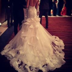 Love the back to this wedding dress! Gorgeous train!! Love it!