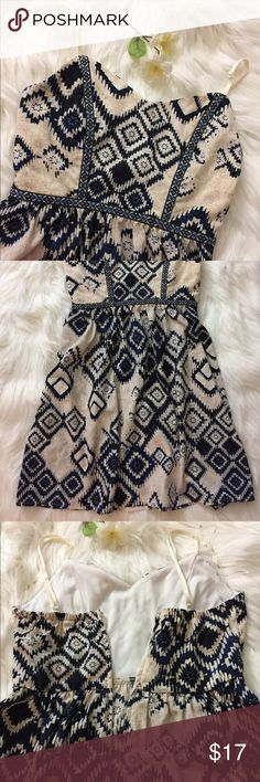 Beige & navy sweetheart dress 💐🌟not f21 just tagged for exposure. 25.5 inches from top armpit to bottom. size tag says size  1, would fit as an XXS/XS. Adjustable straps, there is a back zipper, this dress does not stretch so i recommend a fit for someone with under a B cup & if you can fit into size 0-1 dresses. NWOT, way too small for me that's why i'm selling. Dresses