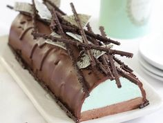 Dessert doesn't get much better than this delicious Mint Chocolate Cheesecake Log! Your guests will love it.