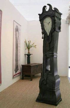 Melting Grandfather Clock ~the crow~