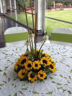 arreglos florales con girasoles para bodas - Buscar con Google