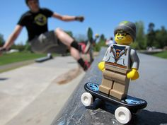 LEGO Collectible Minifigures Series 4 : Street Skater   Flickr - Photo Sharing!