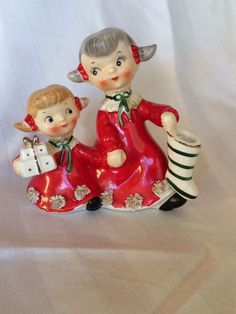 Vtg Norcrest little girl sisters holding hands - Christmas figurine Japan - MINT