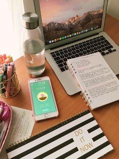 Office organization at work Study Break, Study Hard, School Motivation, Study Motivation, School's Out For Summer, Office Organization At Work, Study Space, Study Inspiration, Studyblr