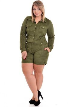 Elegance Plus Size, Plus Size Womens Clothing, Clothes For Women, Curvy Women Fashion, Womens Fashion, Carol Kirkwood, Big Legs, Thick Body, Military Jacket
