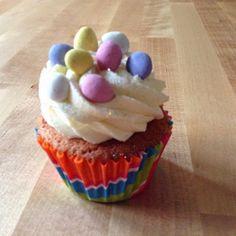 A cake for all seasons...: A cake for all seasons: Year 2 cake sale