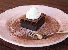 Magický čokoládový koláčik, recept, Zákusky | Tortyodmamy.sk Dessert Recipes, Desserts, Magick, Tiramisu, Food And Drink, Pudding, Ethnic Recipes, Hampers, Tailgate Desserts