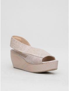 platform sandal shoe