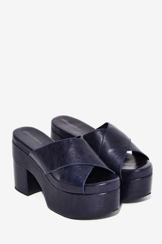 Walk a mile in new high heels, sandals, flats, ankle booties or whatever takes your fancy. Shop all women's shoes at Nasty Gal. Dr Shoes, Me Too Shoes, Shoes Heels, Footwear Shoes, Pretty Shoes, Cute Shoes, Platform Mules, 90s Platform Shoes, Funky Shoes