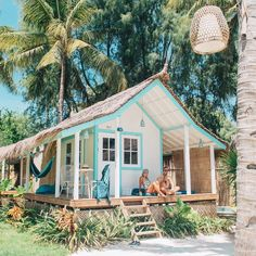 House beach exterior surf shack ideas for 2019 Surf Shack, Beach Shack, Beach Cottage Style, Beach House Decor, Coastal Cottage, Coastal Rugs, Coastal Living, Future House, Dream Beach Houses