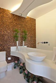 Navegue por fotos de Banheiros modernos: Reforma Casa Ipiranga. Veja fotos com as melhores ideias e inspirações para criar uma casa perfeita.